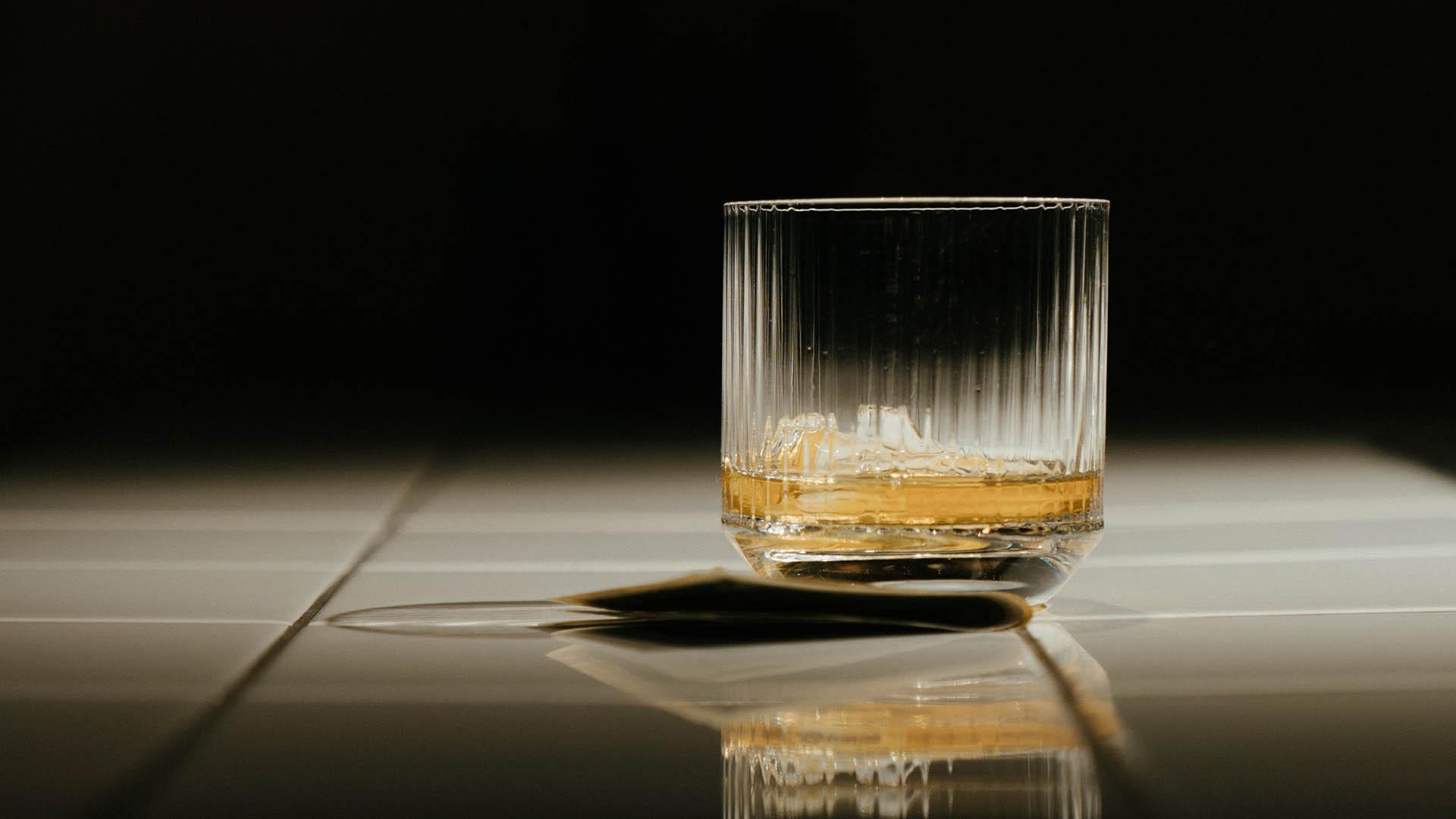 Een slaapmutsje: dit doet alcohol met je slaap